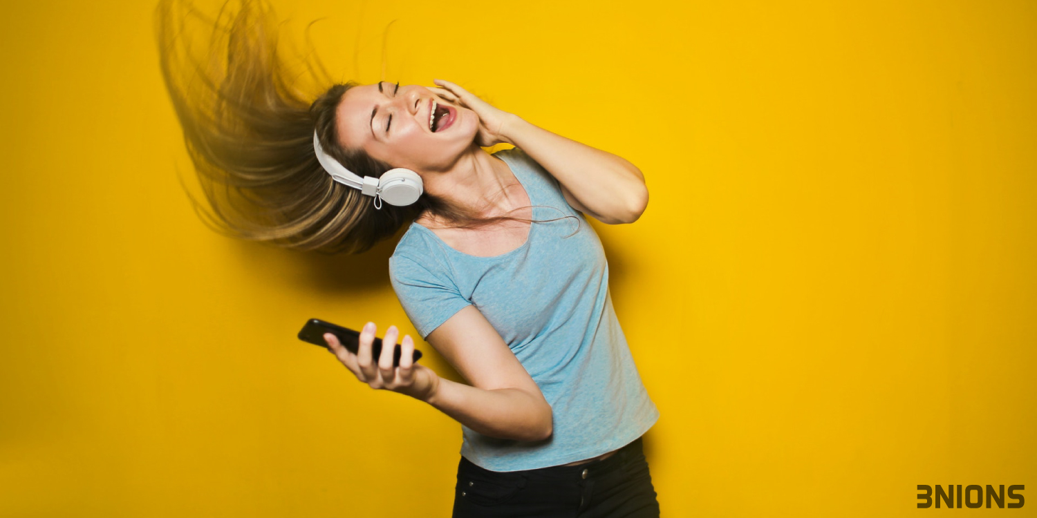 7 Best Lyrics Apps for Android To Sing Along With The Songs