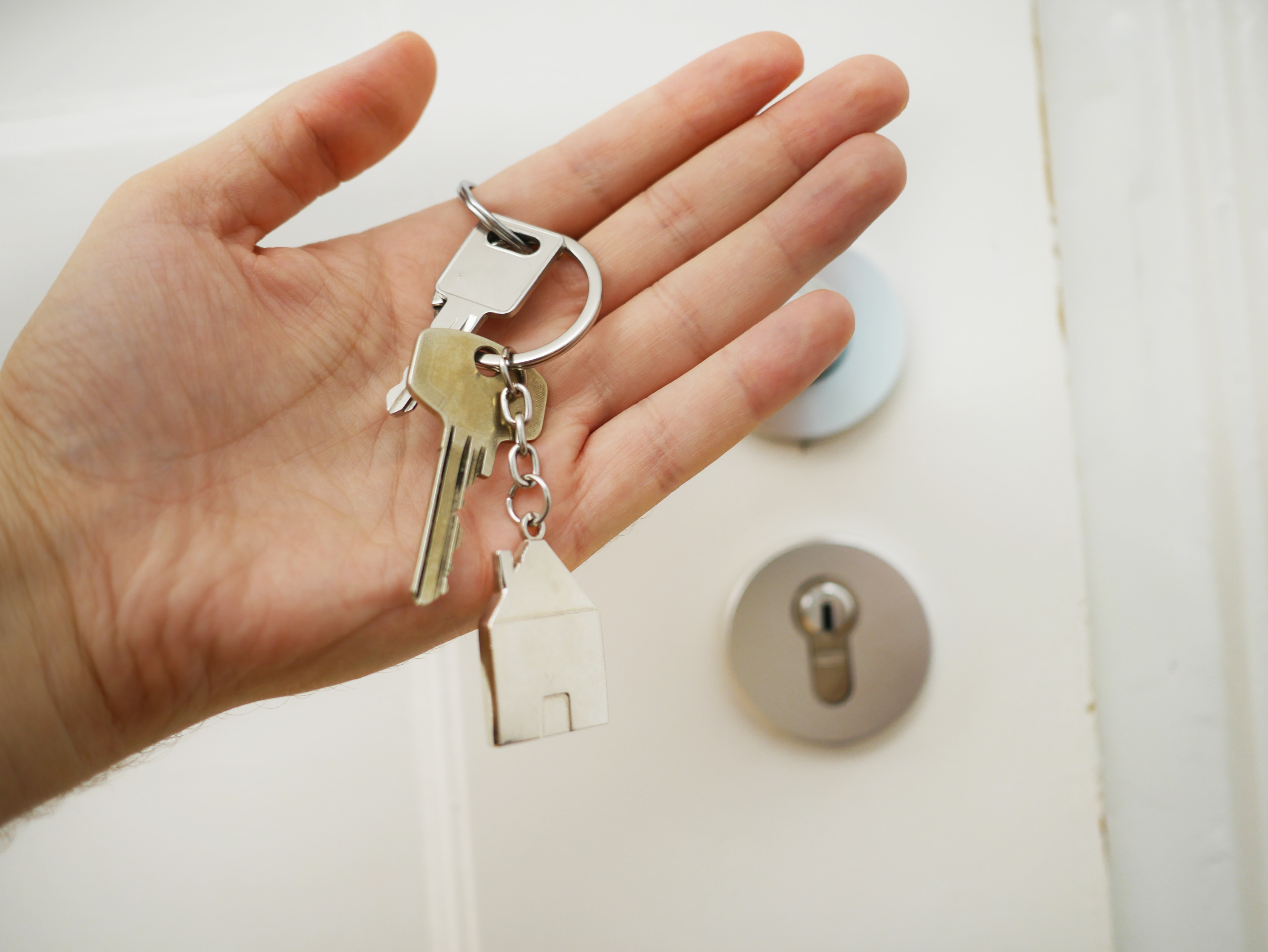 The Best Bluetooth Trackers to Attach to Your Keys